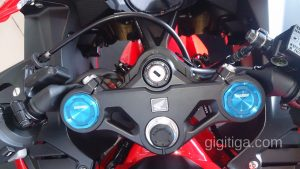 cbr250rr-2016-red-wahana-triple-three-01