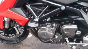 benelli-bn600-side-left-low-engine-01