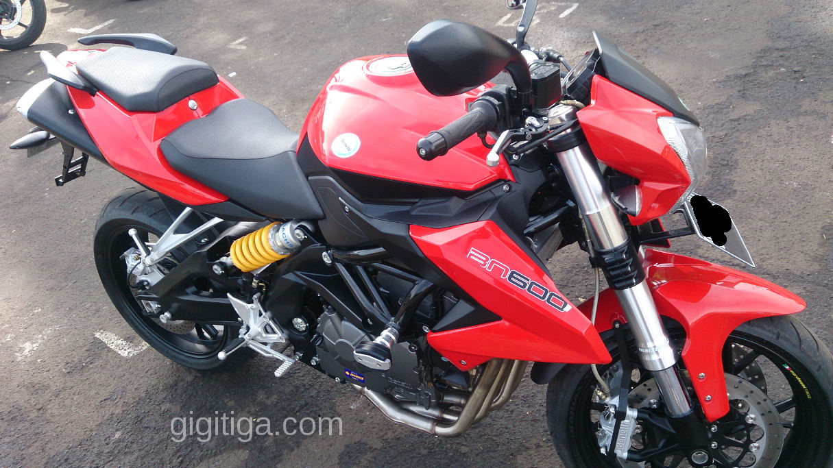 Test Ride Singkat: Benelli BN600. Visual Dan Dimensi