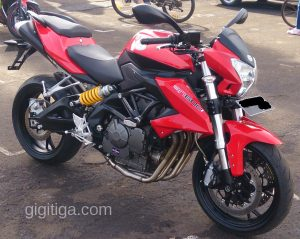 benelli-bn600-side-right-front-far-01