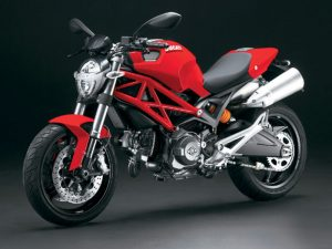 moge-ducati-monster-696-out-01