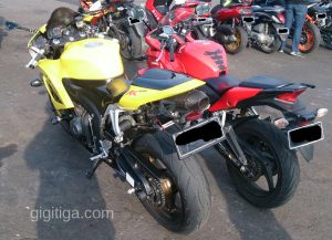 morning-ride-31-dec-2016-cbr250r-cbr600rr-2008-yellow-rear-side-left-01