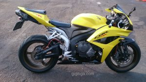 morning-ride-31-dec-2016-cbr600rr-2008-yellow-side-right-01